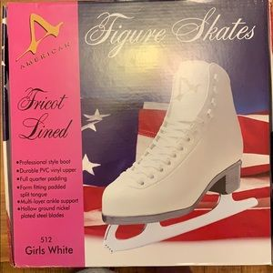 Girls ice skates/figure skates. NWT.